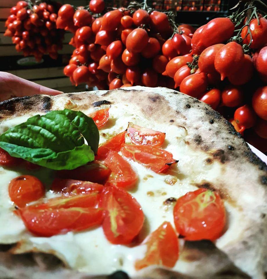 pizza pomodorini